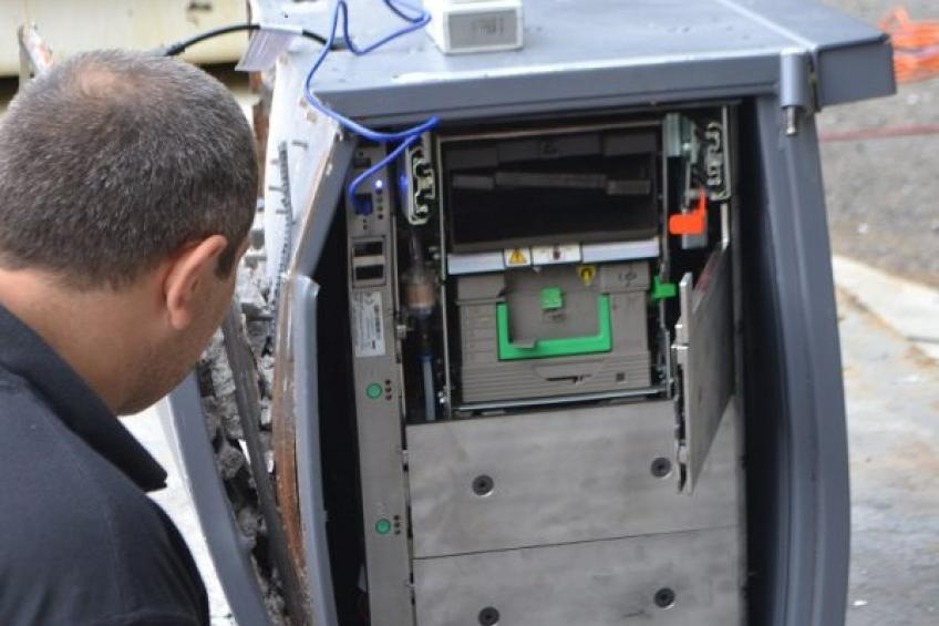A picture of Cennox acquire security company Lockpoint, adding the Gryphon Locking System to their security portfolio